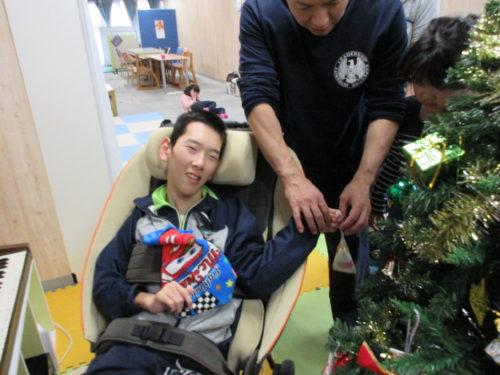 20171202_クリスマスツリー飾りつけ (22)