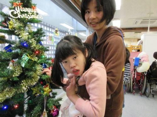 20171202_クリスマスツリー飾りつけ (29)