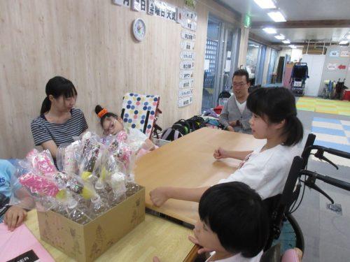 20190809_夏祭り工作(チョコバナナ箱) (5)